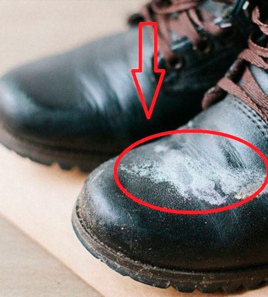 Как убрать соль и реагенты с обуви